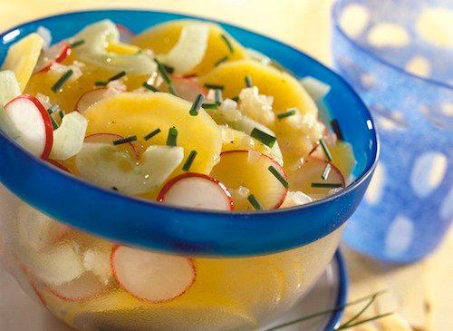 Salade de pommes de terre et radis.